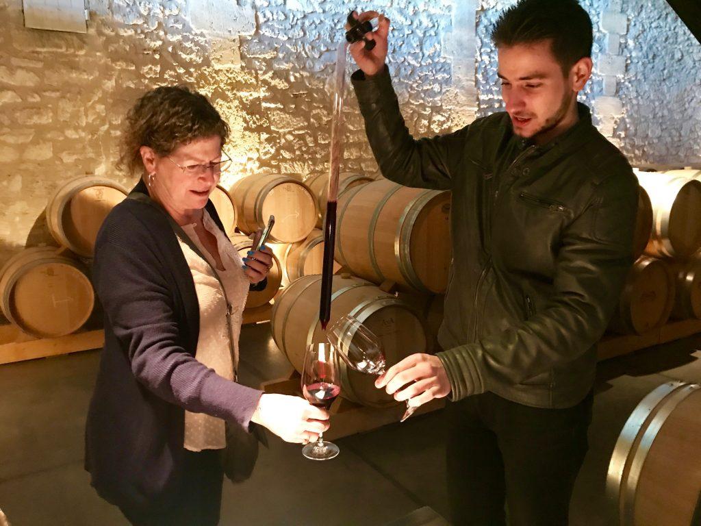 Wine-tasting-Bordeaux-barrel